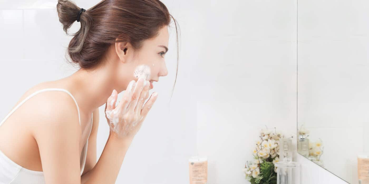 facial cleanser for acne